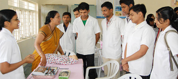 Tingkat Kepuasan Mahasiswa Kedokteran dan Keperawatan Mengenai Pengajaran Preklinis dan Klinis Jauh Di Tengah COVID-19 Di Seluruh India